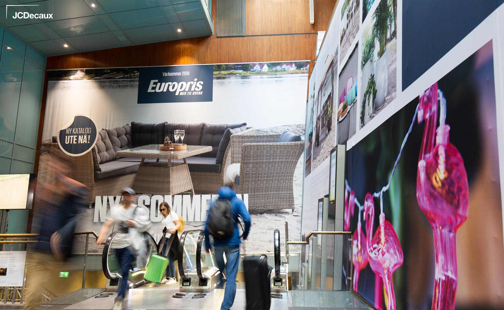 Europris-Escalator-Impact-Oslo-S-JCDecaux(2)
